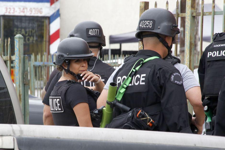 Agente latina forma parte de la Unidad Antinarcóticos en la Estación 77th del LAPD