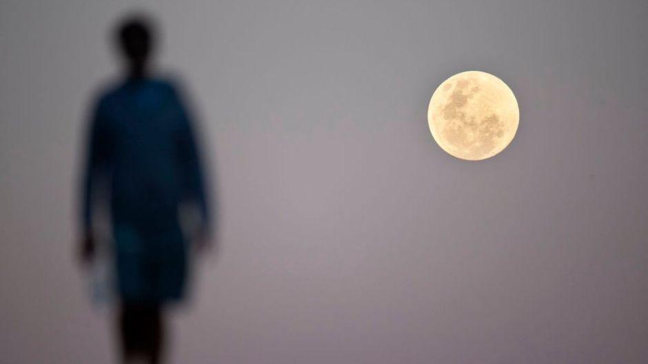 Cómo las fases de la Luna alteran nuestro comportamiento y afectan nuestra salud mental
