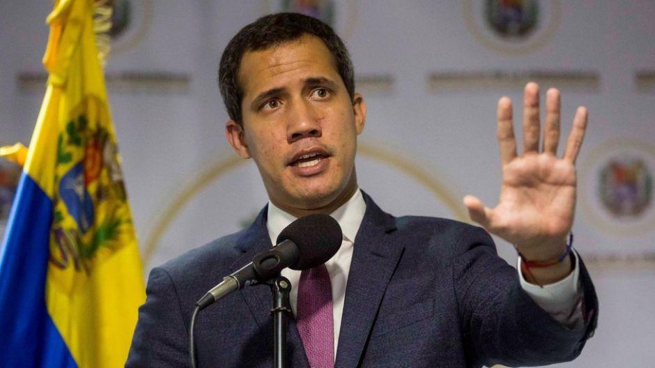 """Este es uno de los peores momentos para Juan Guaidó desde que se proclamó """"presidente encargado"""""""