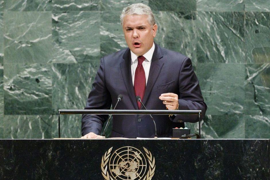 """Las polémicas fotos """"erróneas"""" del ELN en Venezuela que Iván Duque presentó ante la ONU para acusar a Maduro"""