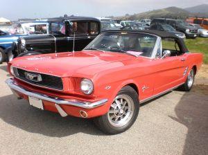Sacan un K-Code Mustang de 1966 de los escombros abandonado hace 30 años