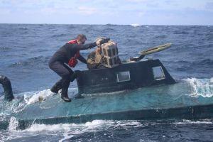 Guardia Costera atrapa un submarino con $165 millones de dólares en cocaína