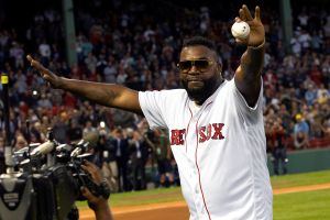 'Big Papi' regresó a lanzar al Fenway