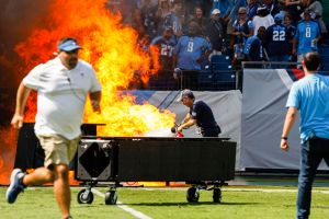Incendio en estadio antes del Tennessee Titans vs Indianapolis Colts genera caos