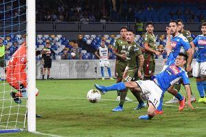 Sacan a 'Chucky' y el Napoli pierde ante el Cagliari