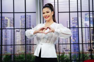 Ana Patricia Gámez emocionada ante estreno de 'Enamorándonos' por UniMas