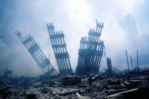 Un supuesto ángel y un bombero en el cielo; la imagen en pleno aniversario del 9/11