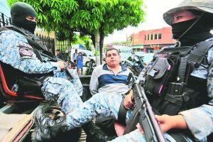 """Las cámaras de vigilancia que revelaron los """"secretos"""" de cabecilla de la MS-13 en El Salvador"""
