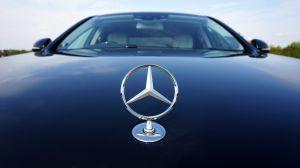 Multan a Daimler por hacer trampa en pruebas de emisiones