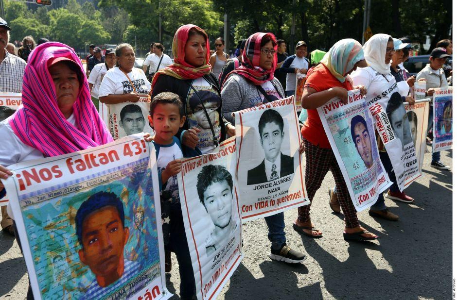 """Sepultan liberaciones  la """"verdad histórica"""" del caso Ayotzinapa"""