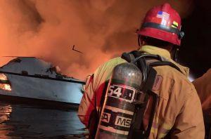Guardia Costera alerta de peligros al cargar celulares tras incendio de barco en California