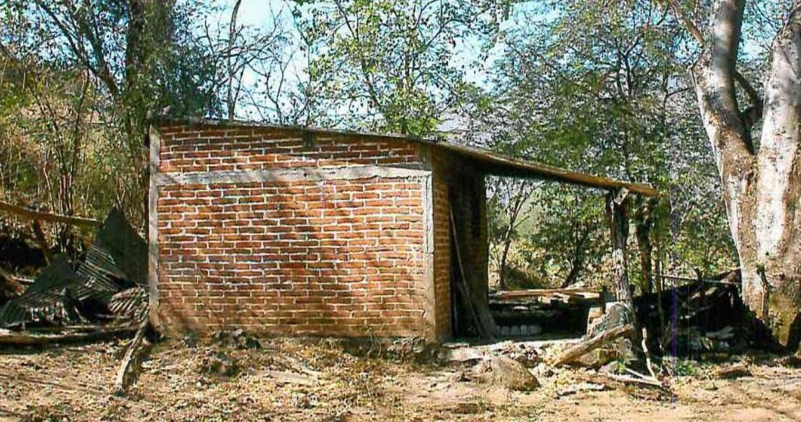 La finca ubica en el pueblo El Agostadero, en el municipio de Pihuamo.