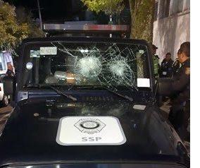 Borrachos agreden a policías en la Ciudad de México, hay 10 detenidos