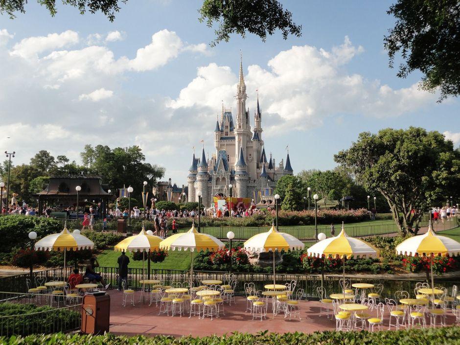 Los parques de Walt Disney en Orlando, Florida, reducen su horario por huracan Dorian