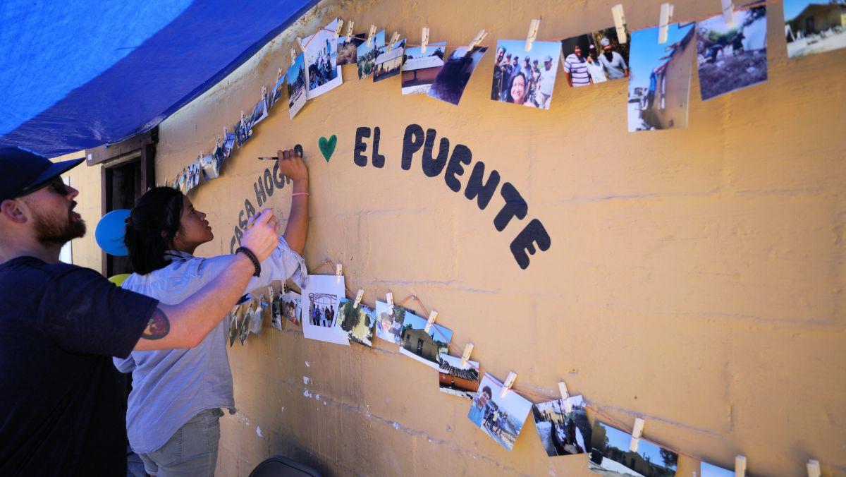 Inmigrantes inauguran el primer refugio construido por ellos mismos en Tijuana