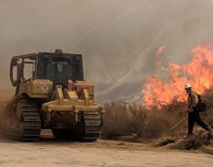 Incendio Tenaja en el sur de California estará controlado el martes