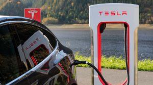 Tesla cancela planes de regresar a los trabajadores a la fábrica de automóviles en los Estados Unidos