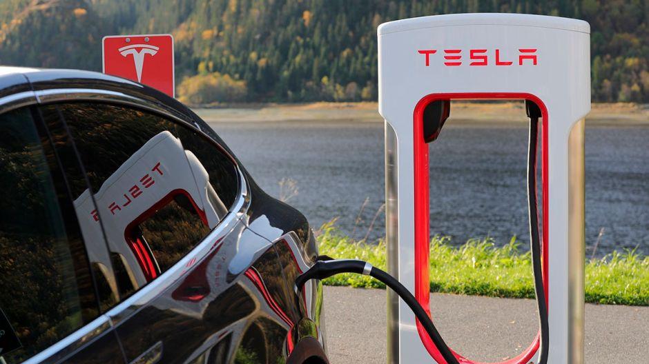 Cómo es el supercargador V3 de Tesla