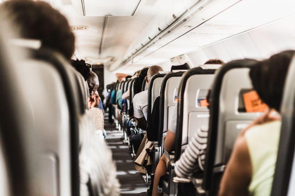 Sobrecargo revela los secretos más asquerosos sobre la falta de higiene en los aviones