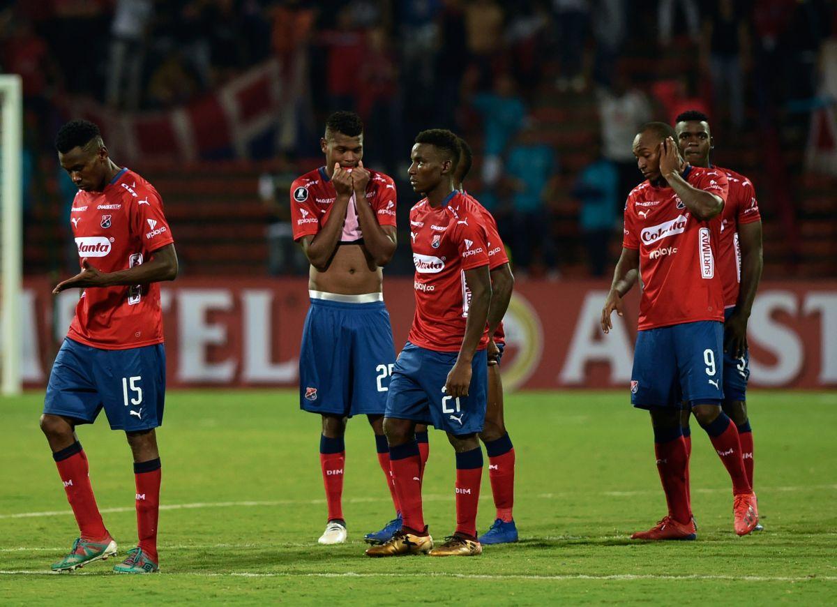 ¿Qué significan las jeringas con sangre que arrojaron a la cancha los ultras del Independiente de Medellín?
