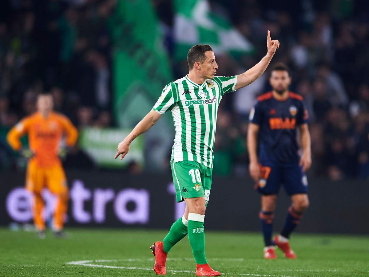 Betis renueva a Andrés Guardado pero corre a Diego Lainez