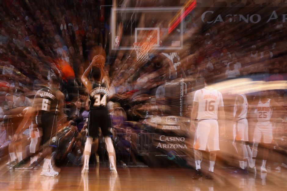 """¿Qué es el """"único tiro libre"""", la medida que está causando polémica antes de llegar a la NBA?"""