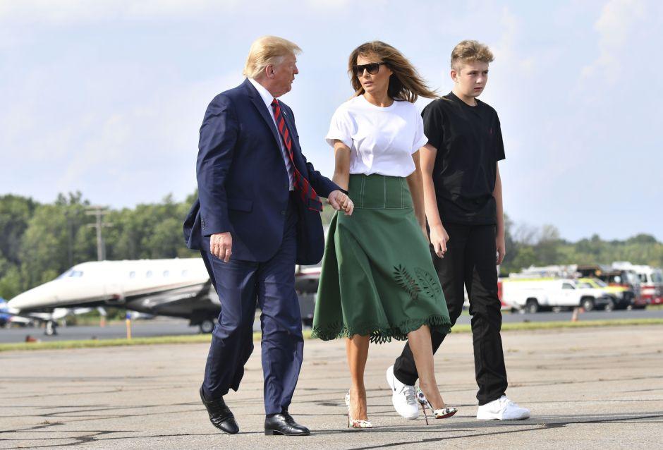 """""""No vapees"""", advierten Melania y Donald Trump a su hijo Barron"""