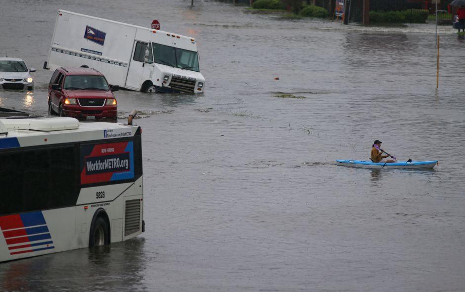 El gobernador declara a 13 condados de Texas en estado de desastre