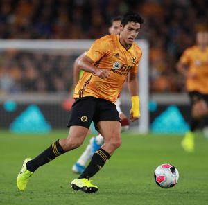 Raúl Jiménez y los 'Wolves' van por su primer triunfo en la Premier League
