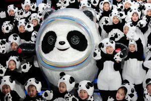 La tierna mascota para olímpicos de invierno del 2022 es un panda