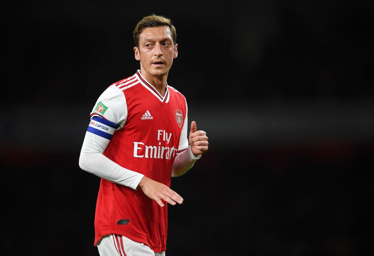 ¡Les sale caro! Quieren sacar del Arsenal a Mezut Özil