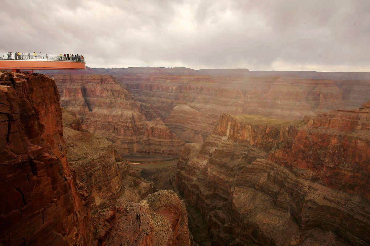 Burló la barrera de seguridad y saltó al vacío en el Gran Cañón. Aún no han encontrado su cuerpo