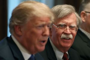 Administración Trump demanda a John Bolton para impedir la publicación de su libro