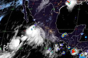 Lorena se convierte en huracán categoría 1 en las costas del Pacífico mexicano