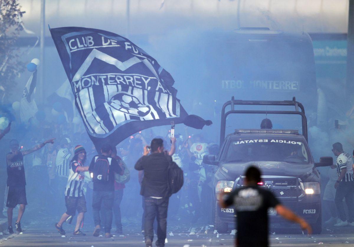Fans de Rayados que dieron golpiza a seguidor de Tigres fueron condenados a prisión