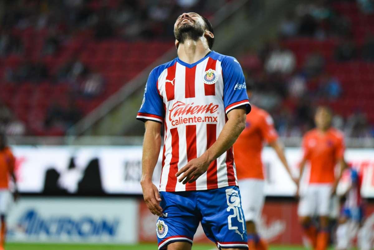Jesús Sánchez revienta a Oribe Peralta previo al Clásico Tapatío y asegura que no se deben intercambiar las playeras al término de esos juegos