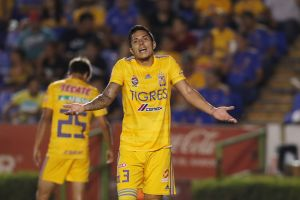 """¡El karma le cobró la factura a los Tigres en El Salvador! Carlos Salcedo llamó """"muerto de hambre"""" a delantero del Alianza"""
