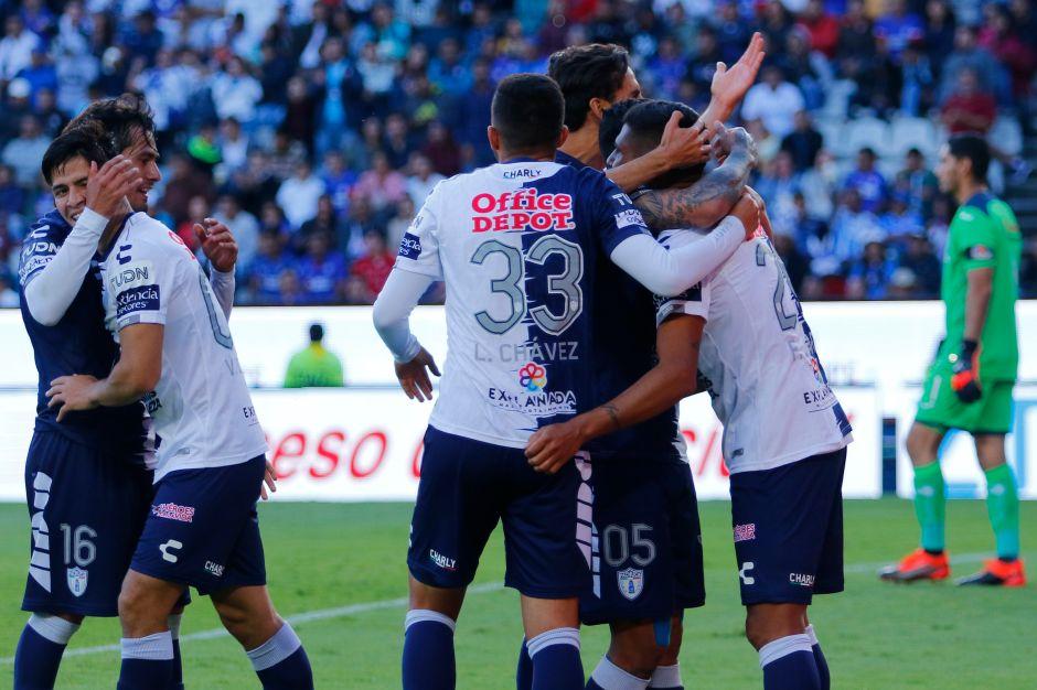 Cruz Azul pierde y se aleja de la Liguilla