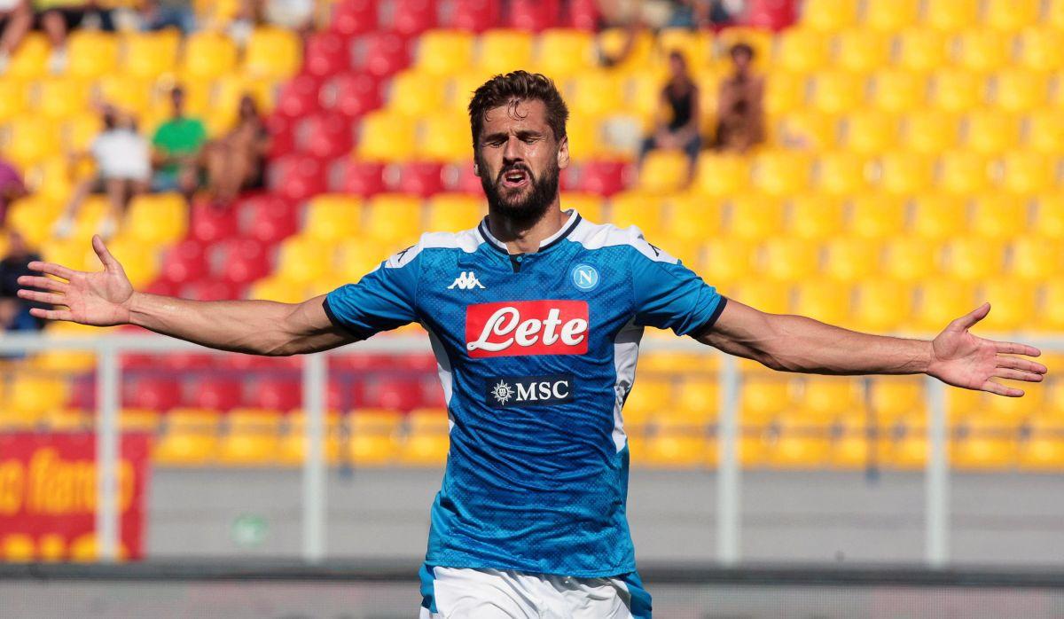 'Chucky' no fue titular: El Napoli aplastó al Lecce y sigue a la caza del liderato en la Serie A