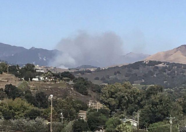 Incendio en San Luis Obispo obliga a evacuaciones