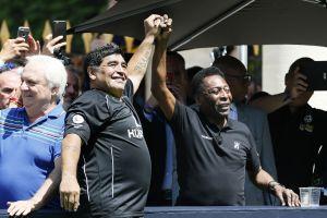 Del más grande al más grande: Diego Maradona felicitó a Pelé por su cumpleaños 80