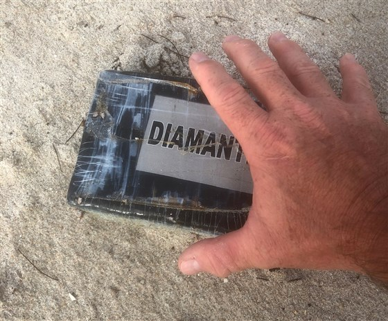 Huracán Dorian arrastra paquetes de cocaína a las costas de Florida