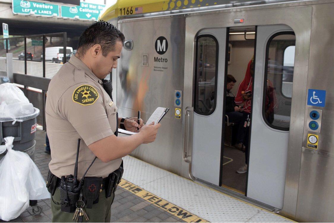 Grandes retrasos en Línea Dorada del Metro por falla eléctrica