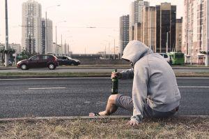 ¿Por qué es tan peligroso conducir bajo el efecto de drogas o alcohol?