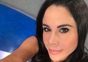 Paola Rojas sorprende: famosa periodista de Televisa se destapa en un bikini azul