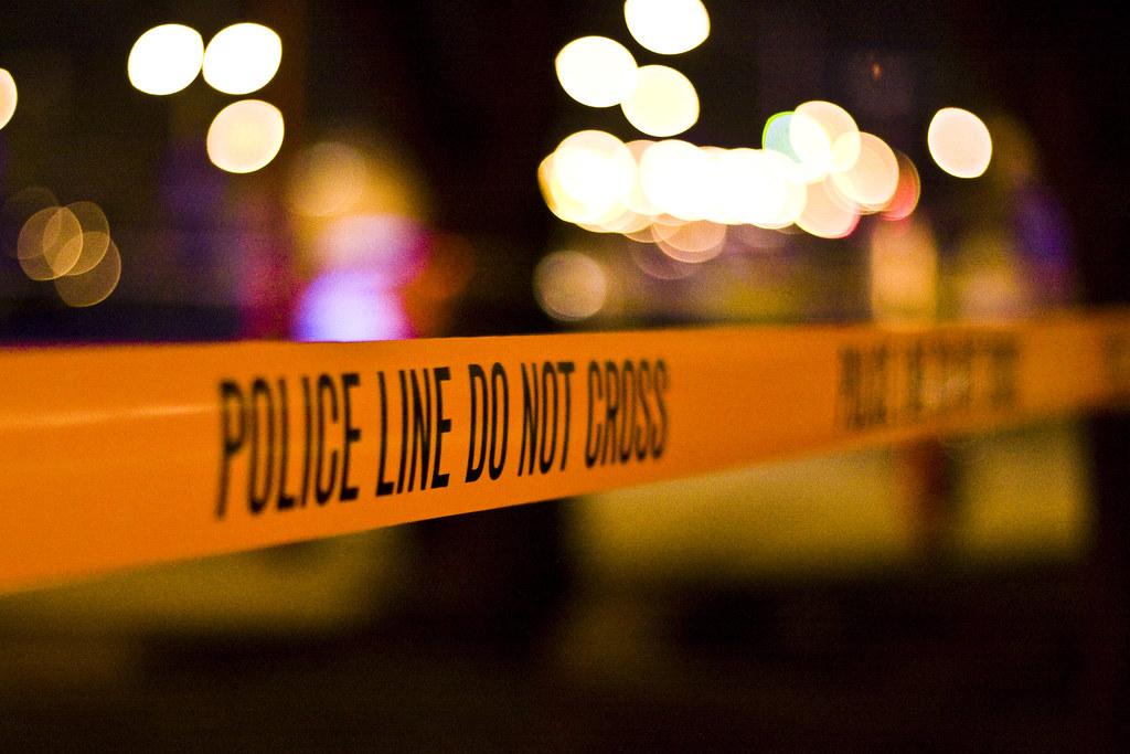 Arrestan a pareja que amenazó con un arma de fuego a una madre afroamericana y sus hijas en Michigan