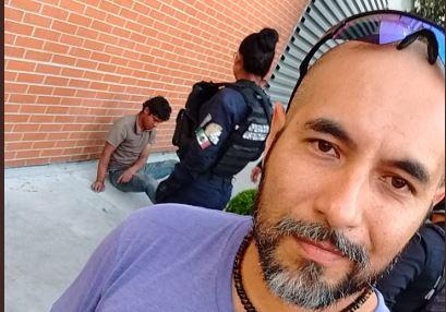Se toma selfie con ladrón al que le propinó tremendo KO