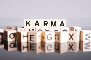 Letras: El karma del español