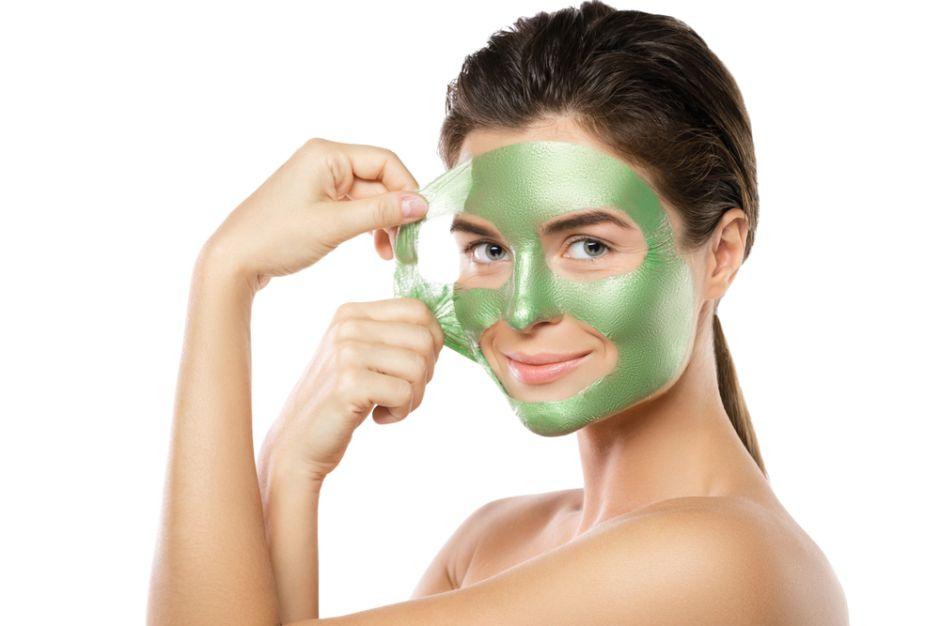 Las 6 mejores mascarillas estilo peeling para eliminar los puntos negros de la cara