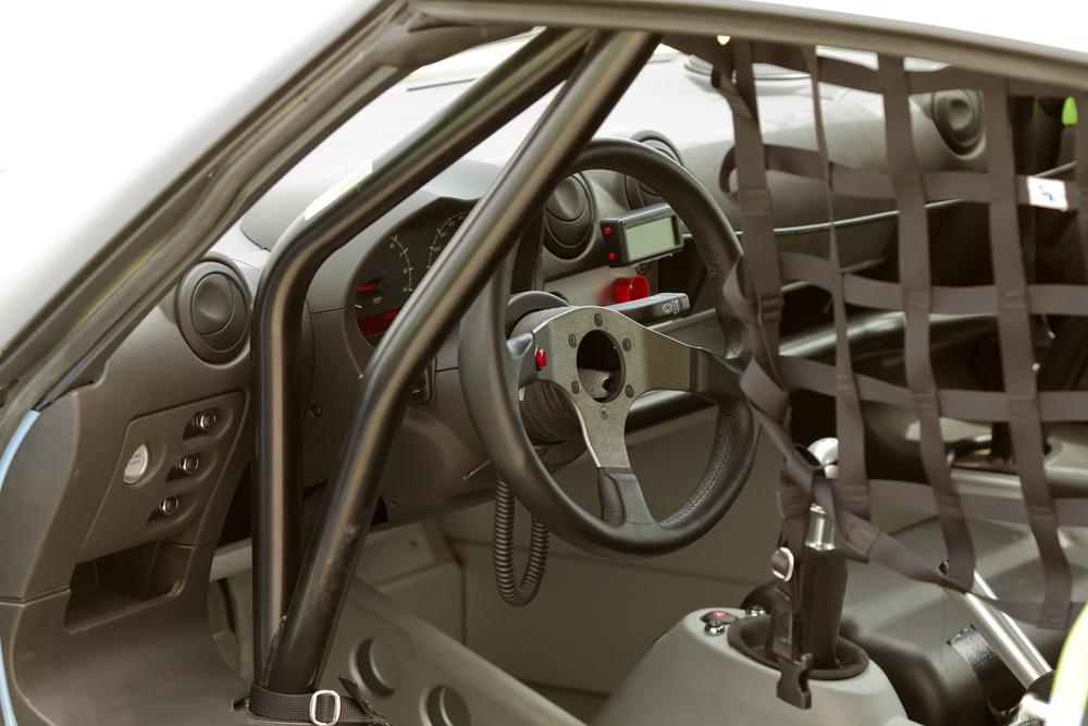 Ventajas y desventajas de introducir una barra protectora antivuelco en tu auto